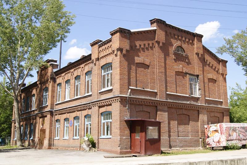 Кирпичное здание