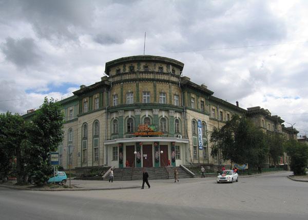 http://nsk.novosibdom.ru/story/NOVOSIBIRSK/NOVOSIBIRSK_1940-1960/popova_10.jpg