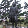 Памятник Кирову у дома-музея Кирова. Новосибирск