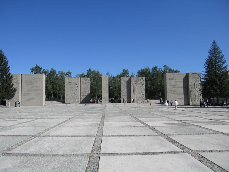 памятники вов дмитров