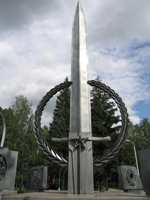 Памятники славы в новосибирске памятник на могилу когда ставят